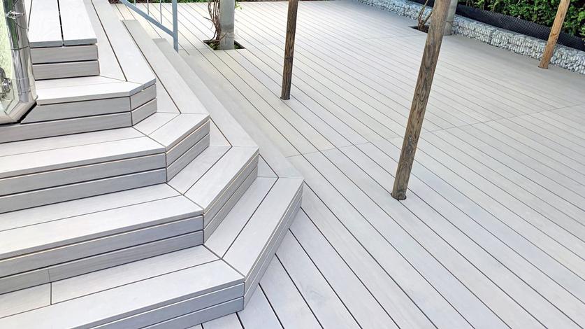Holzagentur Schweiz Accoya Holz Treppe mit Verkleidung